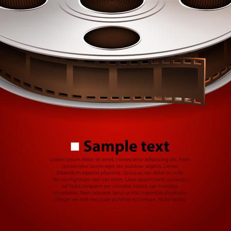 camara de cine: Cinta de pel�cula en el fondo rojo. Concepto de cine