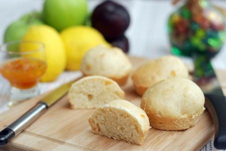 Orange marmalade bread