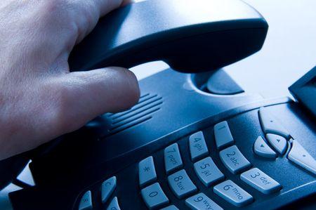 teclado num�rico: descolgar un tel�fono de la Oficina. Elenco azul