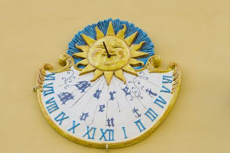 time keeping: Italian sundial with text: mare e monti meaning sea and mountains.