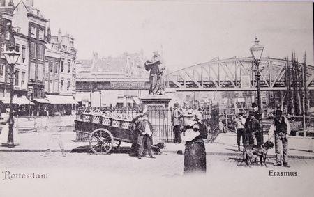 humanism: LOS Pa�ses Bajos - CIRCA 1905: postal Vintage blanco y negro de la vida urbana en Rotterdam, 1905  Editorial