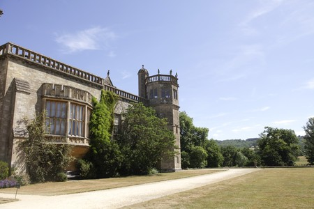harry: Medieval 15th century Lacock Abbey, home of Fox Talbot and recent Harry Potter film location  Stock Photo