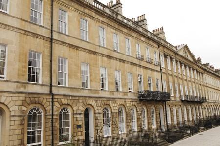 Calle en Bath, Inglaterra con su t�pica arquitectura georgiana  Foto de archivo - 8015227