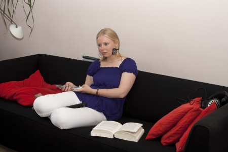 chilling out: Adolescentes multitarea y relajarse en el sof�
