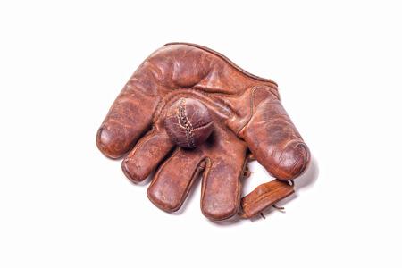 gant de baseball: Vintage gant de baseball en cuir avec le ballon Banque d'images