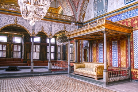 topkapi: Beautifully decorated vintage audience hall of Sultan at Topkapi palace in Istanbul