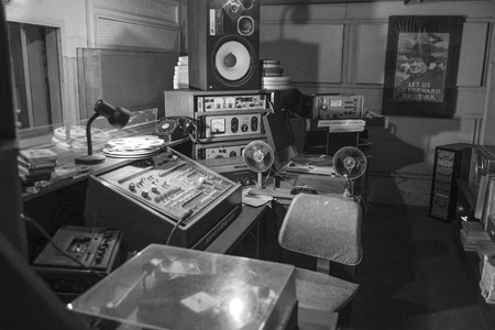 cold war: TROYWOOD, SCOTLAND -JULY 26:Vintage radio studio  underground at Scotlands Secret Nuclear Bunker in Troywood in Scotland on july 26, 2011, After the cold war, the unvisible bunker hidden beneath a traditional Scottish farmhouse, turned into a museum    Editorial