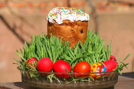 Easter eggs and easter cake