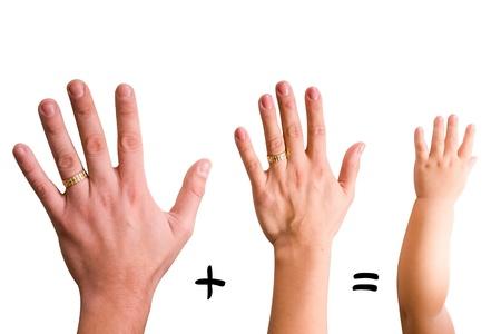 mains: P�re et m�re mains de b�b�
