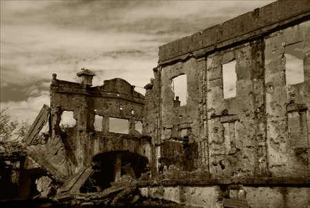 world war: ruins