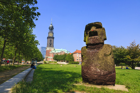 replication: Angelito - replication of Moai Statue from Easter Island at Schaarmarkt, Hamburg, Germany