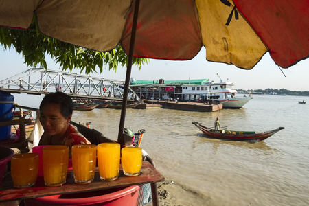 waterway: Lemonade vendor at the jetty, Yangon, Myanmar