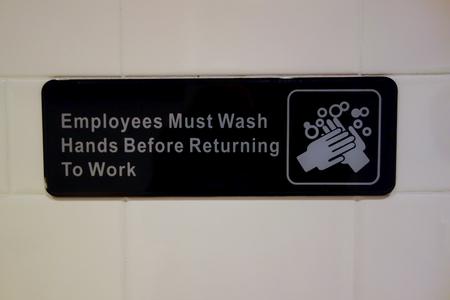 lavarse las manos: Los empleados deben lavarse las manos sesi�n