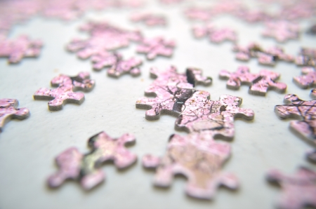 close up jigsaw on thetable photo