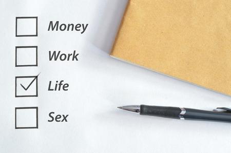 cuadro para la vida marque con el cuaderno y la pluma