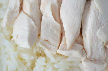 close up with hainanese chicken rice