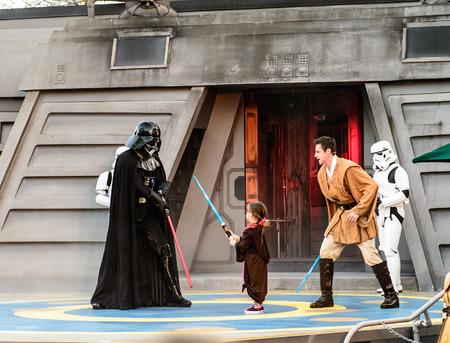ORLANDO, USA - 20 grudnia 2013: Star Wars: Jedi Academy Training w Walt Disney World w Orlando. Walt Disney World Resort jest otwarta w 01 października 1971 jako kompleksu rozrywkowego. Publikacyjne