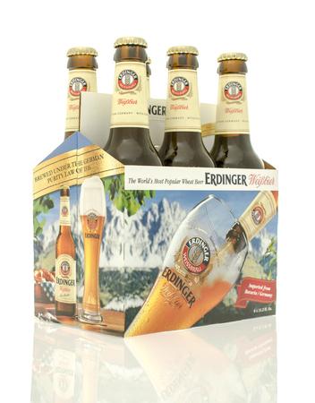 6 pack beer: Winneconne, WI - 10 Jan 2016: A six pack of Erdinger beer. Editorial