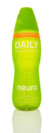 inmunidad: Winneconne, WI - 14 Ene 2016: Botella de Neuro inmunidad a diario en sabor c�trico tanderine.
