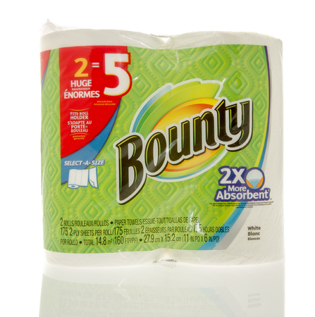 bounty: Winneconne, WI - 7 Feb 2016: El paquete de toallas de papel Bounty.