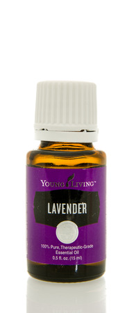 Winneconne, WI - 10 Feb 2016:  Bottle of Young Living lavender essential oil. 報道画像