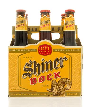 6 12: Winneconne, WI - 26 Feb 2016: Six pack of Shiner Bock beer that is brewed in Shiner, Texas