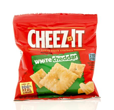 cheez: Winneconne, WI - 19 Feb 2016: Bag of Cheez-it white cheddar crackers