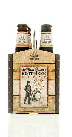 6 pack beer: Winneconne, WI - 15 March 2016:  A six pack of  Not Your Fathers Root Beer