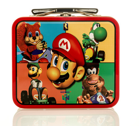 nintendo: Winneconne, WI - 17 April 2016:  Lunch box featuring charactors from Nintendo on an isolated background Editorial