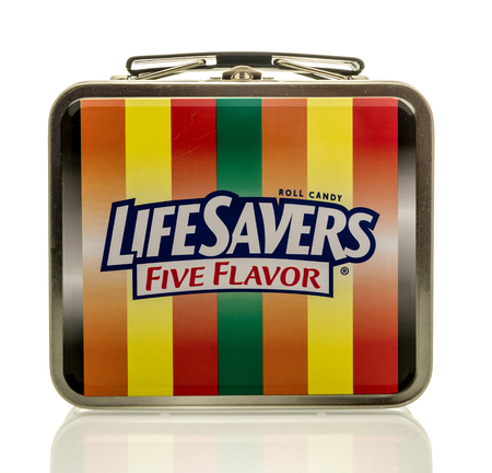 nintendo: Winneconne, WI - 17 April 2016:  Lunch box featuring Lifesavors Nintendo on an isolated background