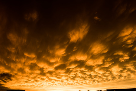 Formation of rare mammatus clouds after a thunder storm Imagens