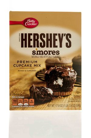 hershey's: Winneconne, WI - 7 January 2017:  Box of Betty Crocker Hersheys smores cupcake mix on an isolated background. Editorial