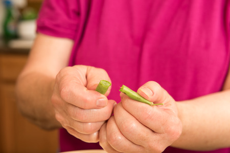 snap bean: Process of canning green beans
