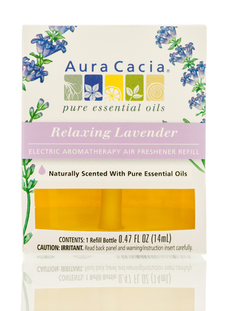 Winneconne, WI - 6 August 2017:  A bottle of Aura Cacia fragrance oil in relaxing lavender scent on an isolated background. Stok Fotoğraf - 83452660