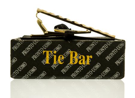 Winneconne, WI - 24 ottobre 2017: A Tie Bar di Pronto Uomo su uno sfondo isolato. Archivio Fotografico - 88873145