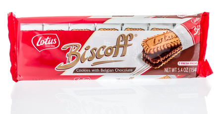 Winneconne, WI -  7 April 2018: A package of Lotus Biscoff Belgian chocolate cookies on an isolated background. 新闻类图片