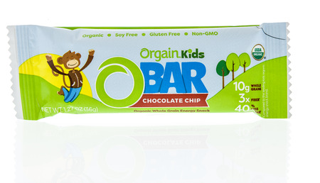 Winneconne, WI - 30 December 2018: A package of Organic kids o bar in chocolate chip on an isolated background.
