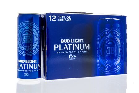 Winneconne, WI - 14 January 2019 : A package of Bud Light Platinum 12 pack on an isolated background 報道画像