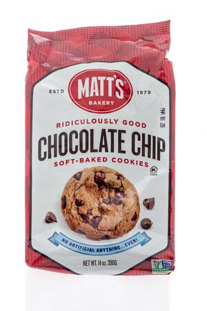 Winneconne, WI - 14 January 2019 : A package of Matts bakery chocolate chop soft baked cookies on an isolated background 報道画像