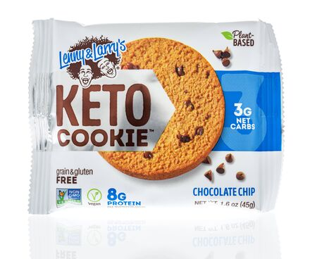 Winneconne, WI - 19 January 2019 : A package of Lenny and Larrys keto cookie on an isolated background 報道画像