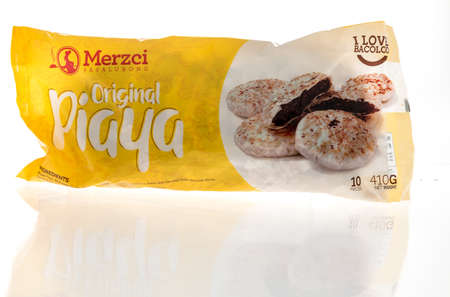 Winneconne, WI -12 January 2021: A package of Merzci pasalubong piaya bread on an isolated background. Éditoriale