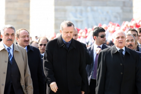 recep tayyip erdogan: CANAKKALE, TURKEY-JANUARY 15: Turkish Prime Minister Recep Tayyip Erdogan visits the monument of Dardanel Wars January 15,2010 in Canakkale, Turkey.