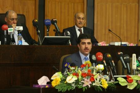 parlamentario: Arbil, Iraq-1 de enero: Gobierno Regional de Kurdist�n primer ministro Nechirvan Barzani hace discurso ante el Parlamento el 1 de enero de 2007 en Erbil, Iraq.