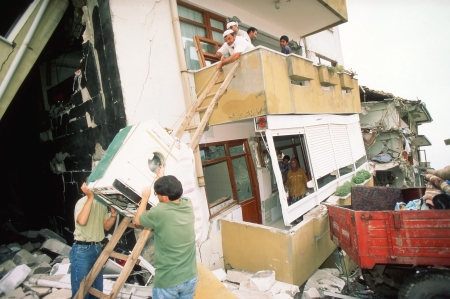 YALOVA, TURKEY-AUGUST 17 : The 1999 Izmit earthquake was a 7.6 magnitude earthquake that struck northwestern Turkey on August 17, 1999. The event lasted for 37 seconds, killing around 17,000 people. Stock Photo - 18321566