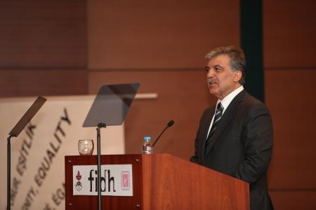 diritti umani: ISTANBUL, TURCHIA-24 maggio 2013: il presidente turco Abdullah Gul ha partecipato al 38 � Congresso Mondiale della Federazione Internazionale dei Diritti Umani a Istanbul.