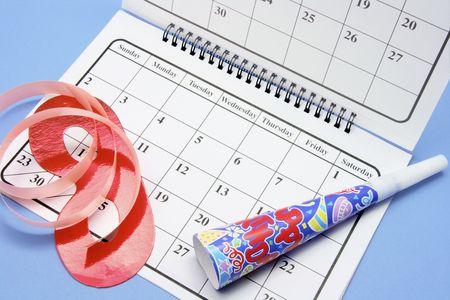 cotillons: Party Favors et calendrier sur fond bleu
