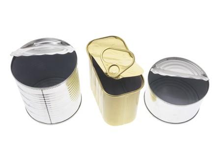 tin cans: Lege Tin Cans op Geïsoleerd White Background