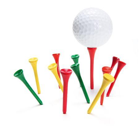 Golf ball: Golf Ball y Tees en el fondo blanco
