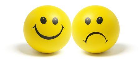 caras tristes: Smiley Balls en Isolado Fondo blanco Foto de archivo