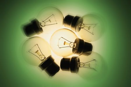 light bulbs: Bombillas de luz con fondo verde